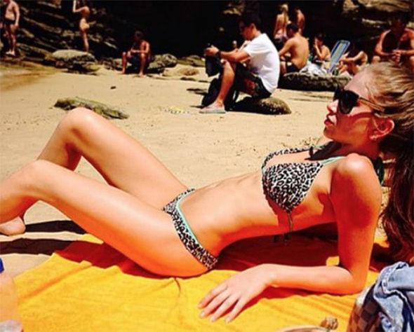 Maria-Salaues-Zulay-Pogba-bikini-hot-pics