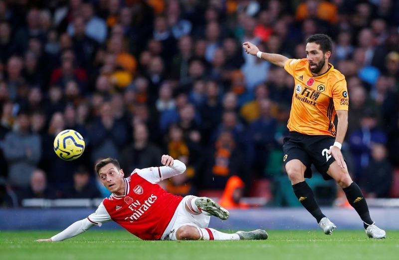 Mesut_Ozil_Arsenal_Wolves