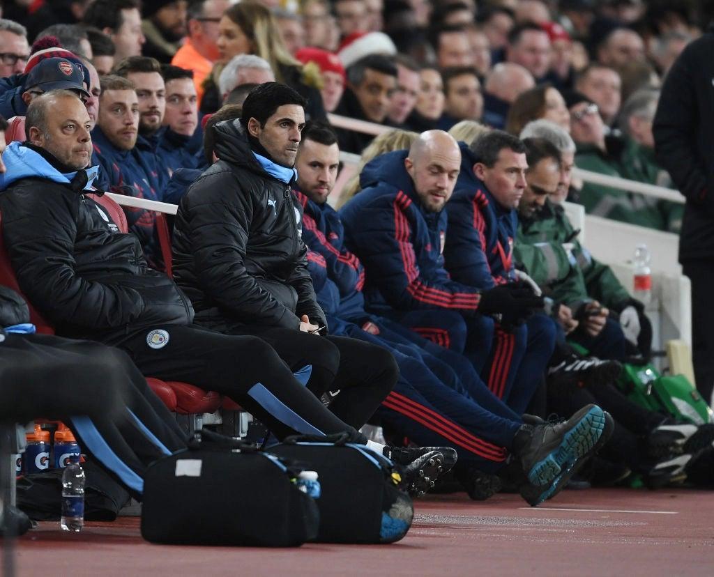 Mikel_Arteta_Arsenal_Bench