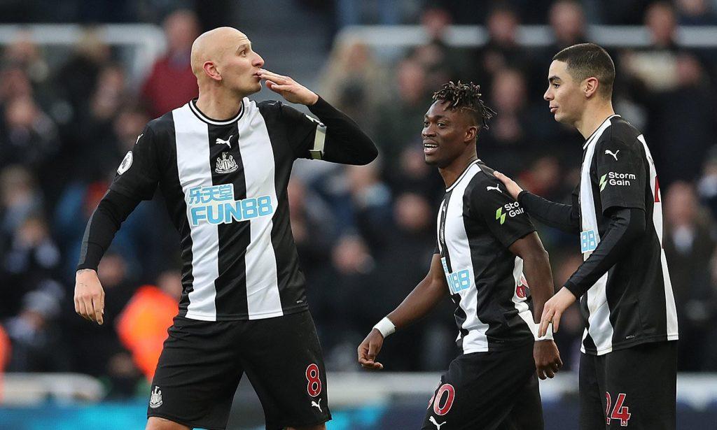 Newcastle-United-jonjo-Shelvy