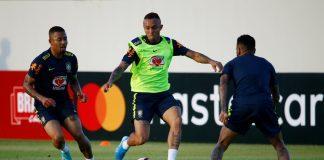 Everton-Soares-Brazil-training-alongside-Gabriel-Jesus