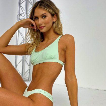 anna-modler-bikini