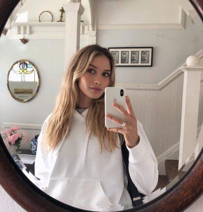 anna-modler-selfie