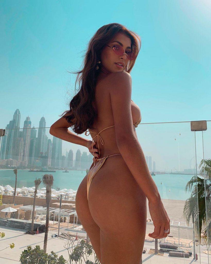 hot-bikini-pics-joanna-chimonides