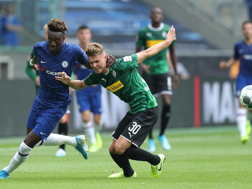 Nico-Elvedi-vs-Chelsea