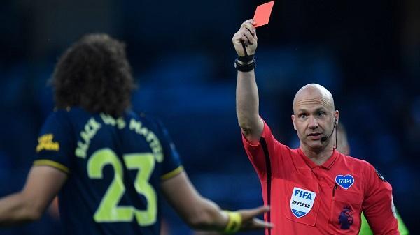 David_Luiz_Red_card