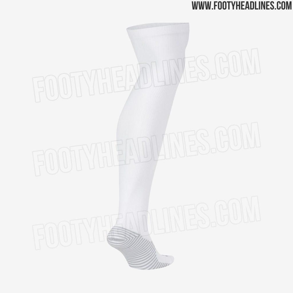 chelsea-socks-2020-21-home