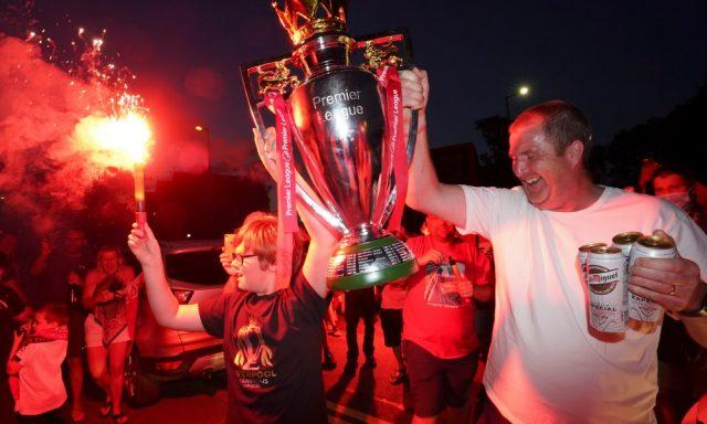 liverpool-fans-premier-league-title-celebration
