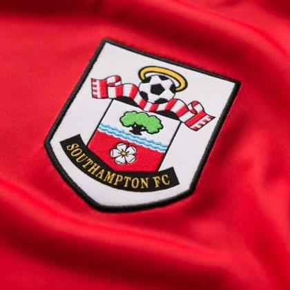 logo-on-Southampton-primary-kit-20-21