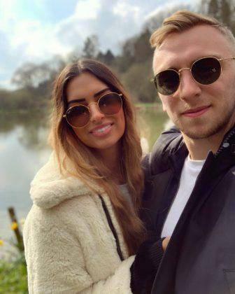 Jarrod-Bowen-time-away-from-footall-with-Girlfriend-Jaz