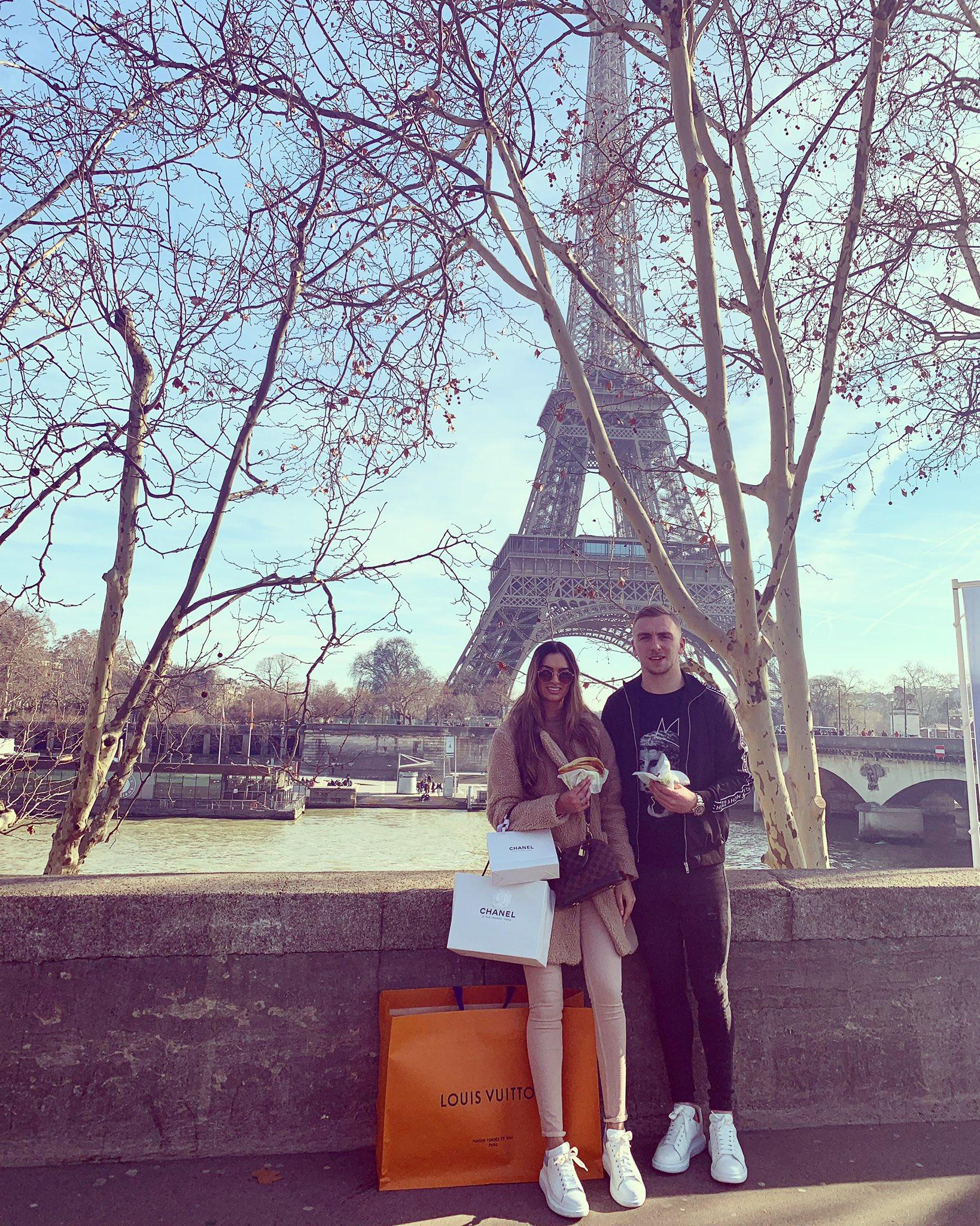 Jarrod-Bowen-with-Girlfriend-Jaz-in-romantic-trip-to-Paris