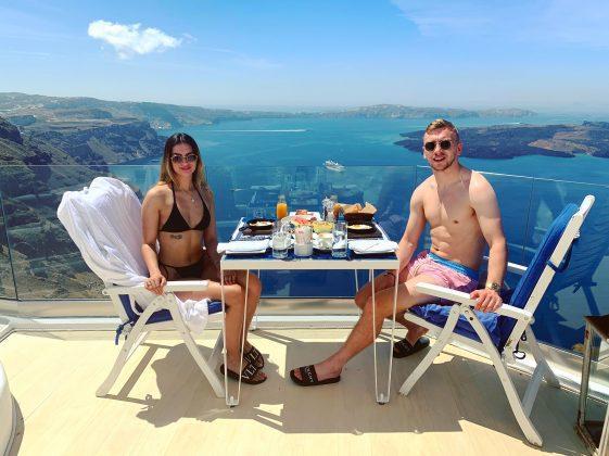 Jarrod-Bowen-with-Girlfriend-Jaz-vacation