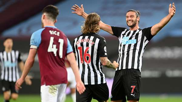 andy-carroll-jeff-hendrick-newcastle-v-west-ham