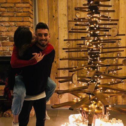 Alex-Telles-Chrismas-holidays-with-wife-Priscila-Minuzzo