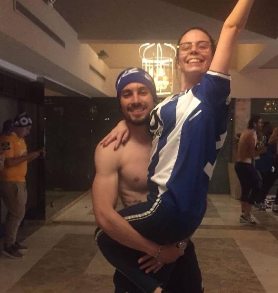 Alex-Telles-celebrating-wife-Priscila-Minuzzo