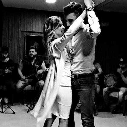 Alex-Telles-dance-wife-Priscila-Minuzzo