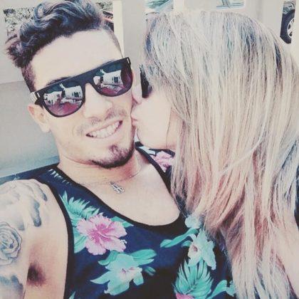 Alex-Telles-girlfriend-Priscila-Minuzzo