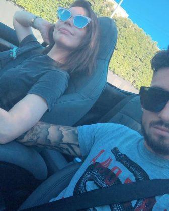 Alex-Telles-wife-Priscila-Minuzzo-long-drive