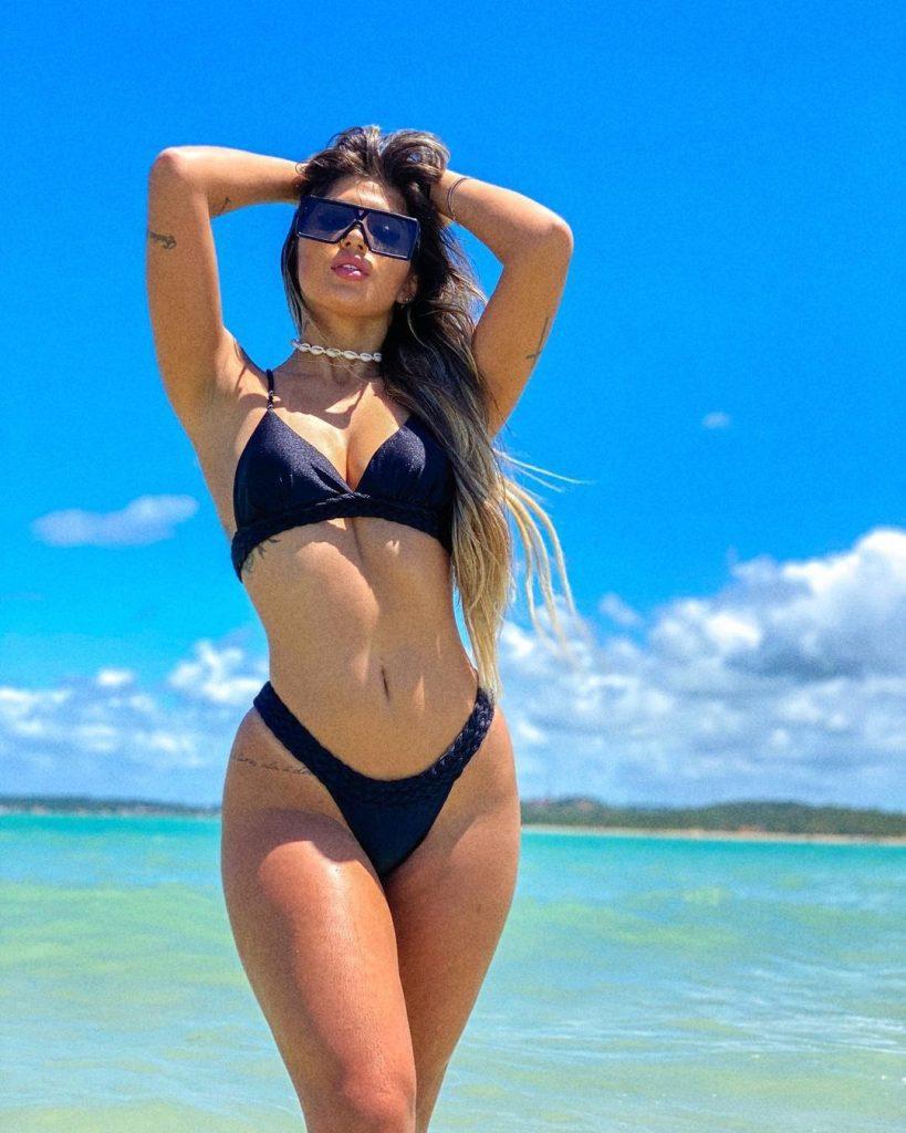 Gabriel-Magalhaes-girlfriend-Gabrielle-Figueiredo-Pics