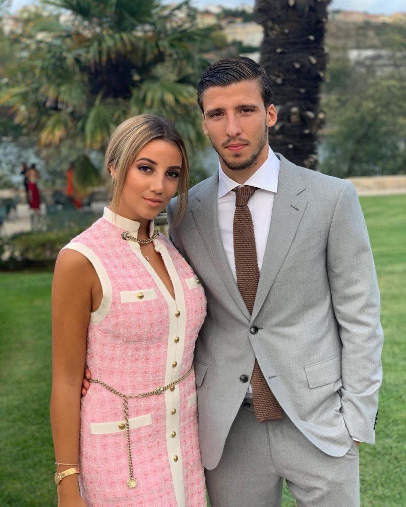 Ruben_Dias_wife_April_Ivy