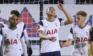 Carlos-Vinicius-Spurs-stay