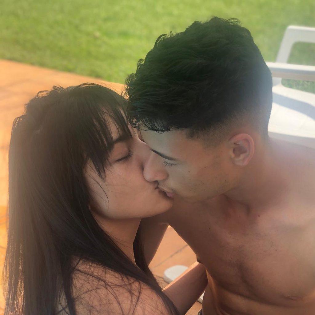 gabriel-martinelli-with-his-girlfriend-rachel-akemy