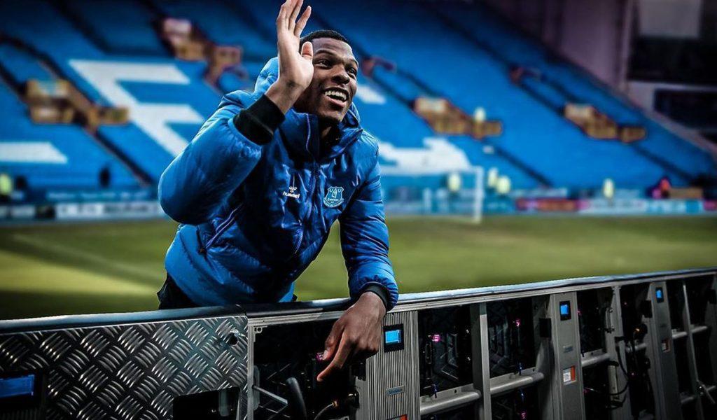Denzel-Dumfries-Everton