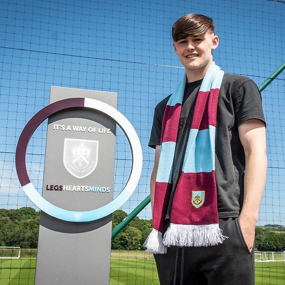 Mark-Helm-Burnley-transfer